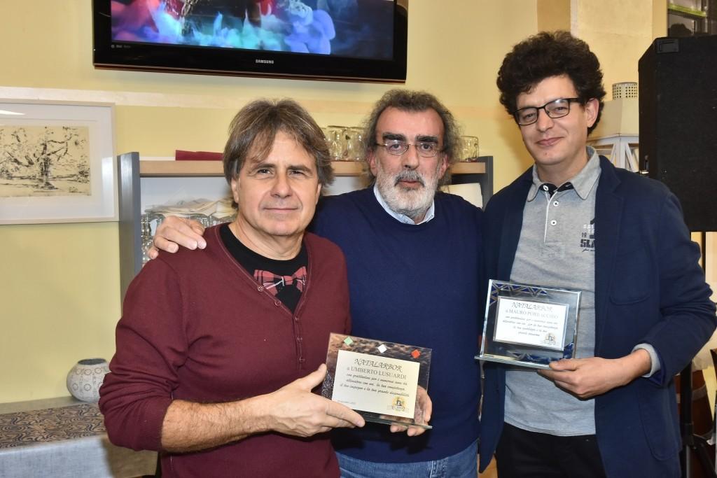 Umberto Lusuardi e Mauro Porracchio premiati dal consigliere Gherardo Canovi (al centro) (1)